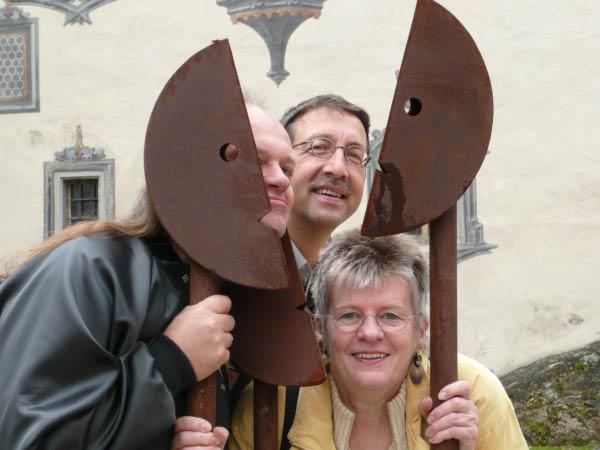 P1000260 Kunstausstellung im Burghof Füssen
